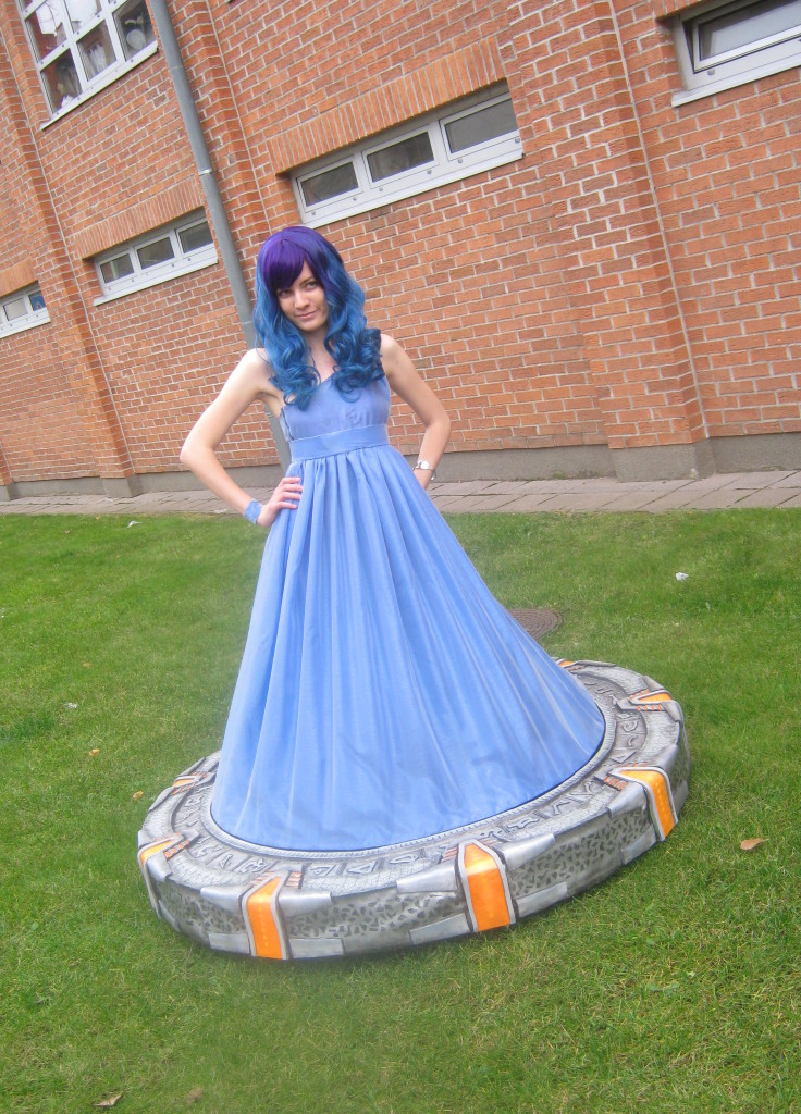 Girl Dressed up as a Stargate